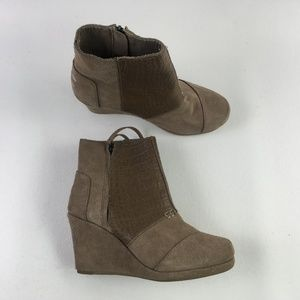 Toms Taupe Wedge Booties H6914926